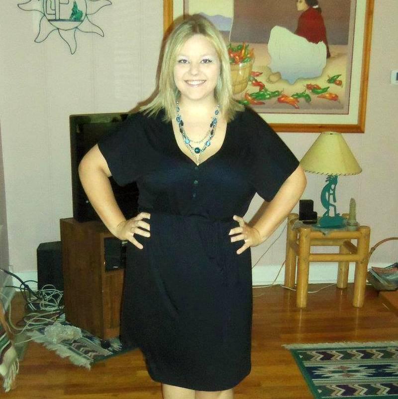 Με μαύρο φόρεμα