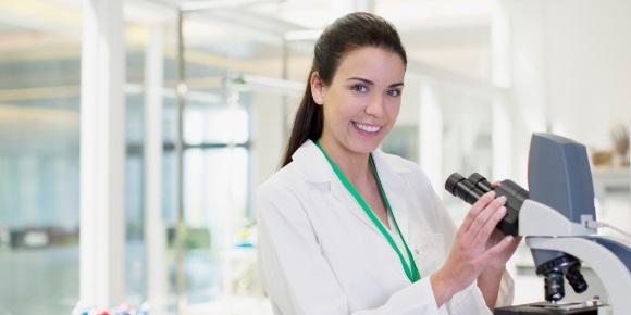 Γυναίκα επιστήμονας