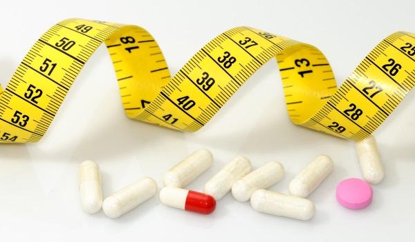 Χάπια αδυνατίσματος και μεζούρα